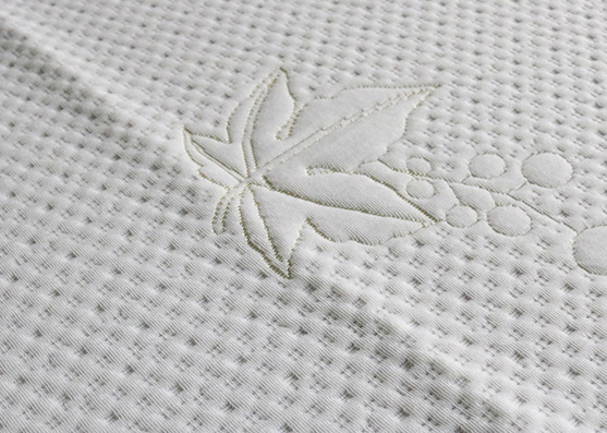 white colored knitting 100% polyester jacquard leaf fabric Chinese supplier